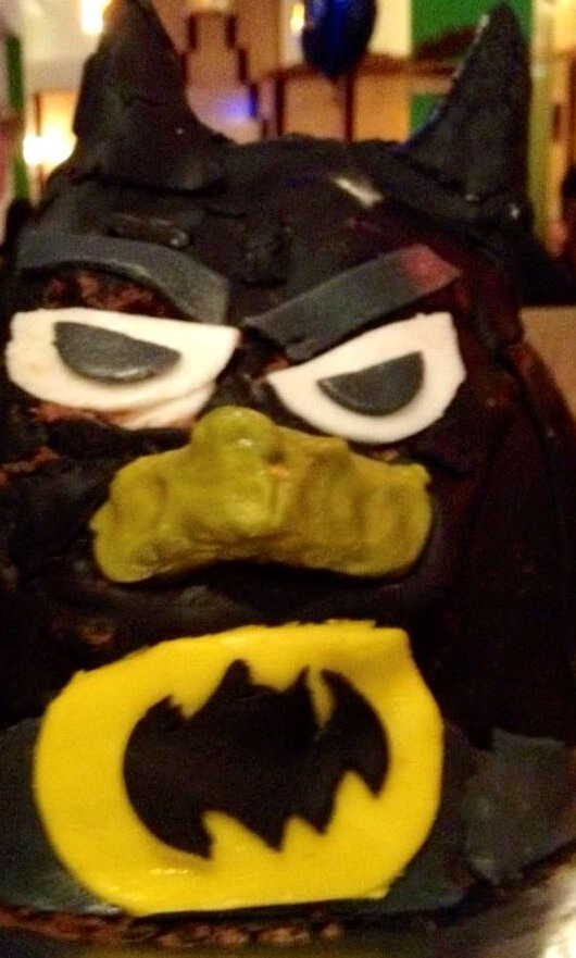 Angry Bird Batman Cake